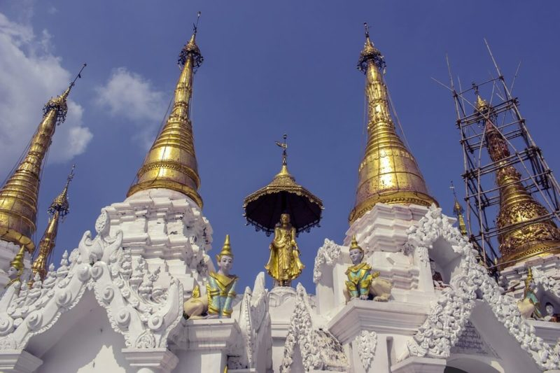 外国の仏舎利。お釈迦さまの傘が起源