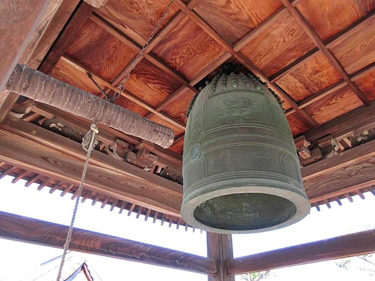お寺の大きな鐘「梵鐘」の意味