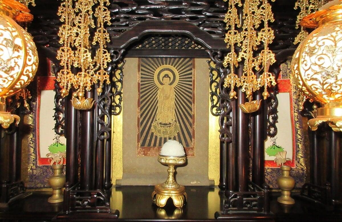 仏壇にご飯をお供えする理由