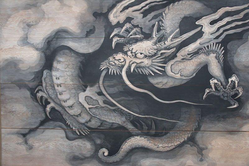 なぜ龍の絵や彫刻はお寺によくあるのか。その理由は。