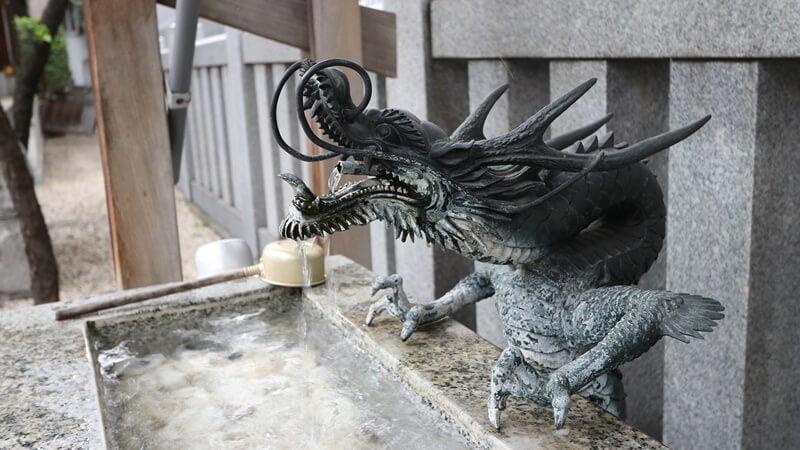 蛇口は、水をつかさどる龍神がモデル